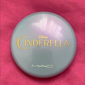 MAC Cosmetics RARE Cinderella iridescent powder🦄